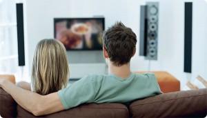 tv-kijken-abdicatie-beatrix-inhuldiging-willem-alexander